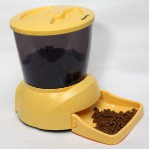Автоматическая кормушка для кошек и мелких пород собак