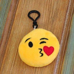 "Брелок-смайлик Emoji ""Kissing Emoji"""