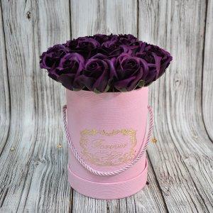 Композиция из мыльных роз темно-фиолетовая
