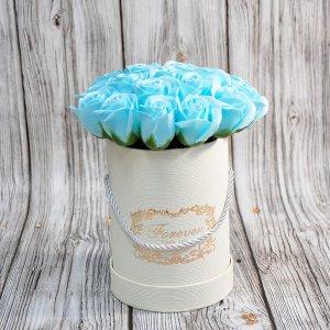 Композиция из мыльных роз голубая