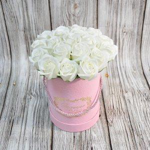 Композиция из мыльных роз белая
