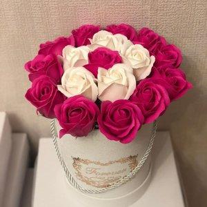 Композиция из мыльных роз малиново-розовая