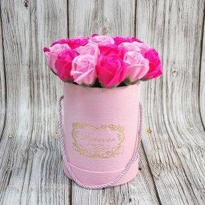 Композиция из мыльных роз (два вида розовых)