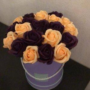 Композиция из мыльных роз оранжево-фиолетовая