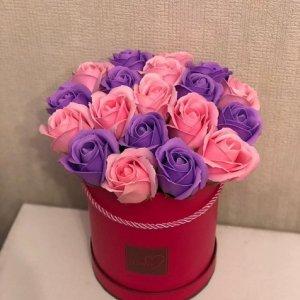 Композиция из мыльных роз кораллово-фиолетовая