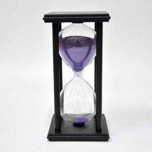 Песочные часы на подставке 15 минут черно-фиолетовые